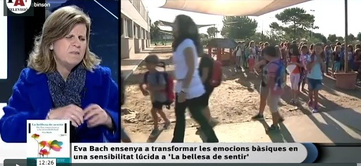 Eva Bach entrevista l'Illa de Robinson El Punt Avui TV