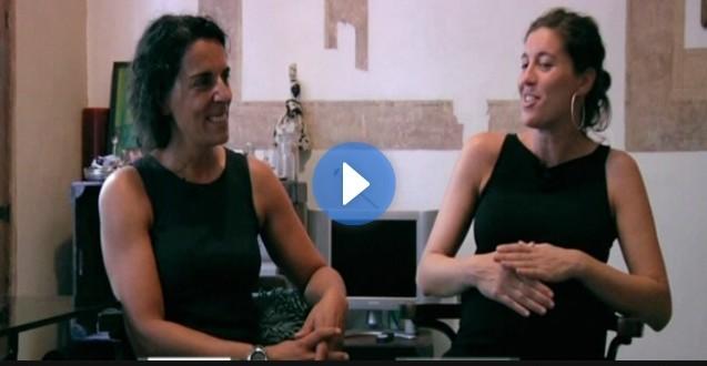 Tenir dues mares, al Criatures TV Eva Bach